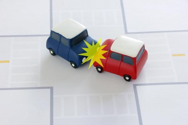 自動運転装置に期待!?多発する認知症高齢者の悲惨な自動車事故を防ぐには?